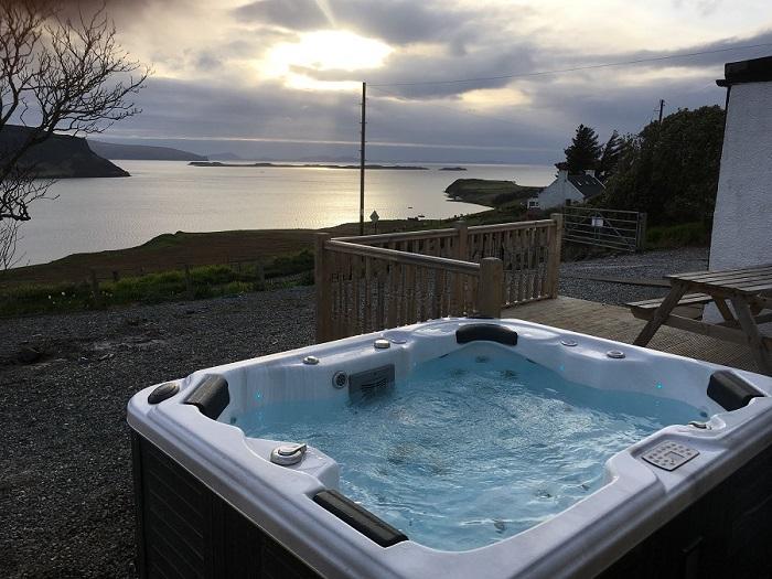 Isle of Skye Holiday Cottage Hot Tub