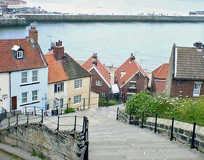 Whitby Harbour Holiday Cottage